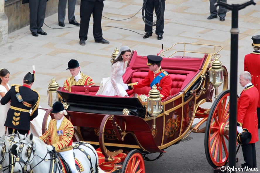 Kate Middleton Royal Wedding Getting in Carriage with Prince William April 29 2011