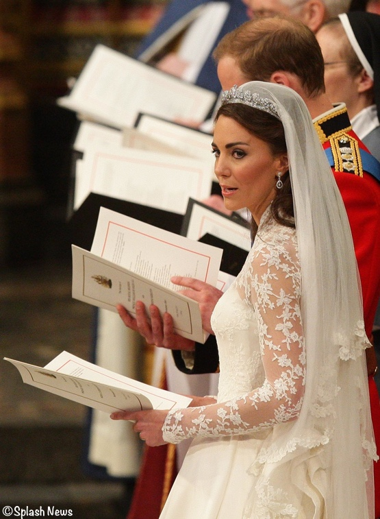 Kate Middleton Singing Prince William Abbey Alexander McQueen Wedding Gown