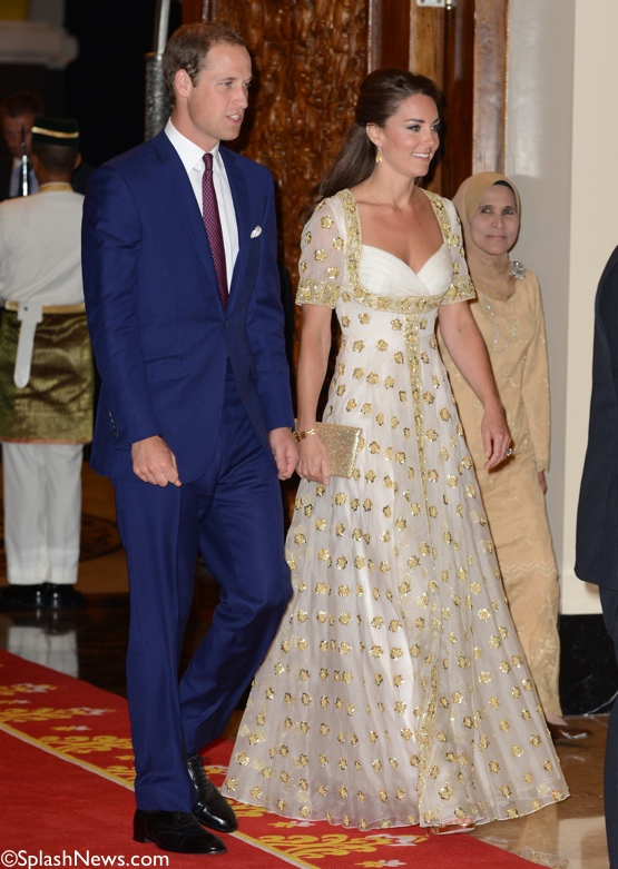 Kate Wows in Custom Alexander McQueen Gown at Malaysian State Dinner ...