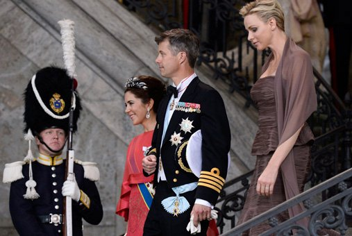 A Royal Wedding In Sweden Kate In 42 Asos Maternity