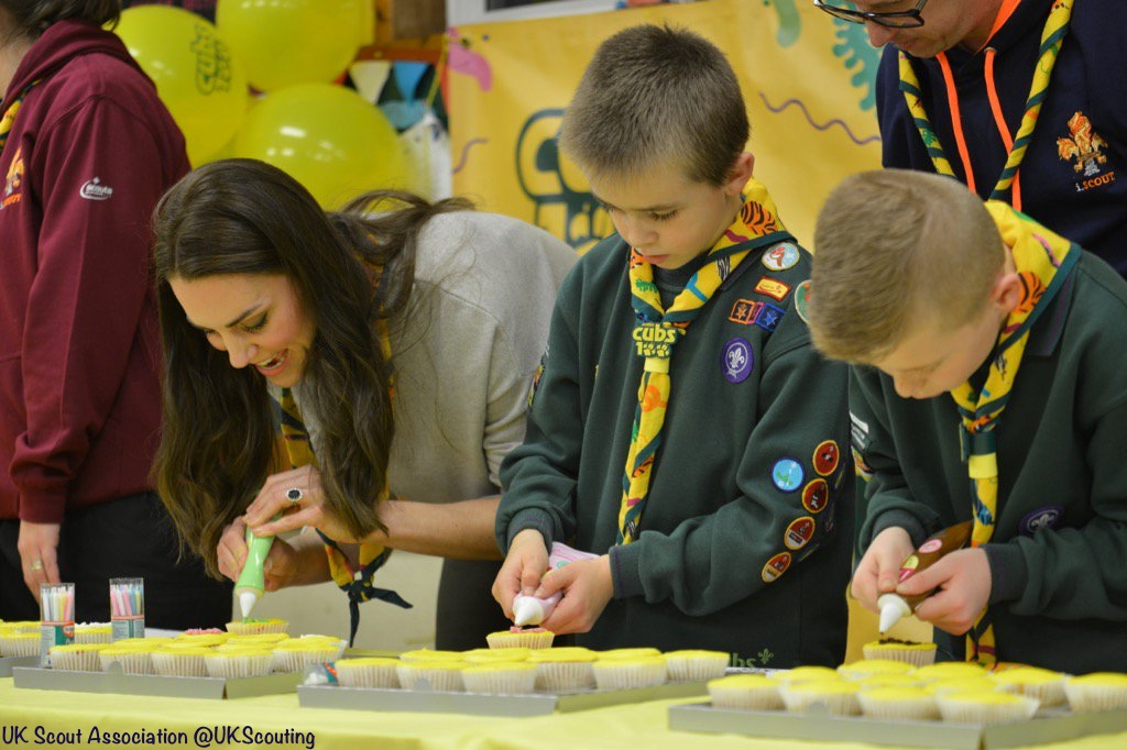 Duchess Cambridge Cub Scouts Cake Decorating