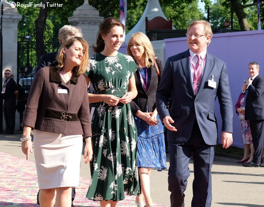 Kate Middleton Rochas dress pictures Chelsea Flower Show