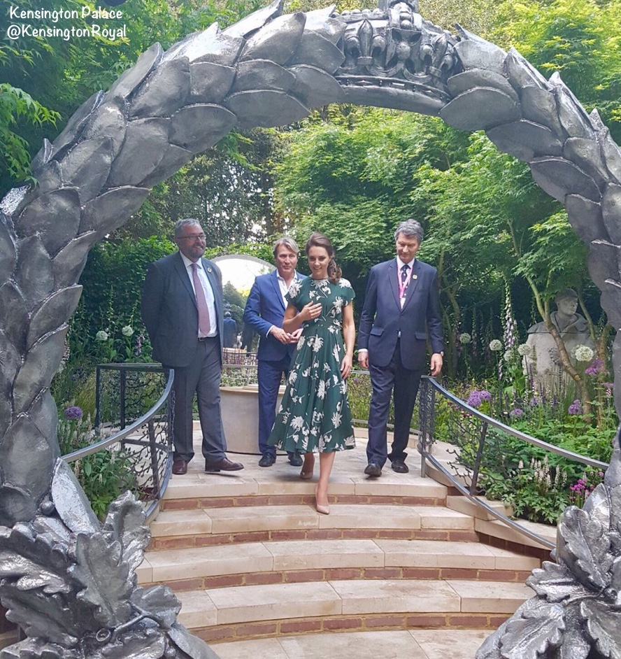 Kate Middleton dress pictures Chelsea Flower Show