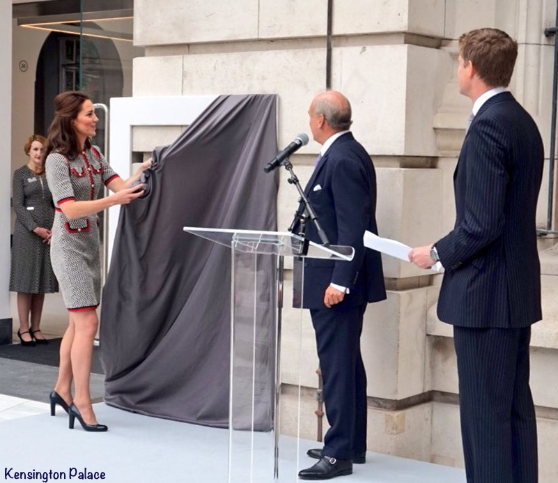 Kate Middleton Gucci Dress V&A Museum