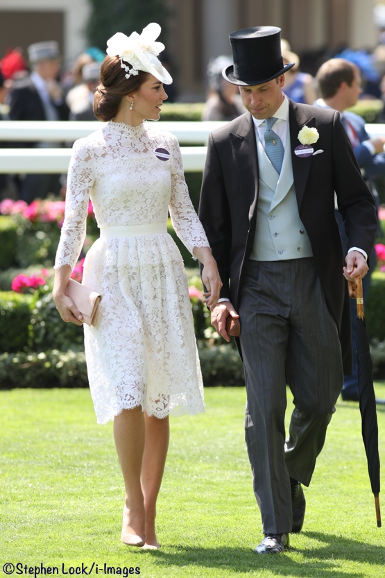 8f7a6c73a51 It s White Lace by Alexander McQueen for Royal Ascot - What Kate Wore
