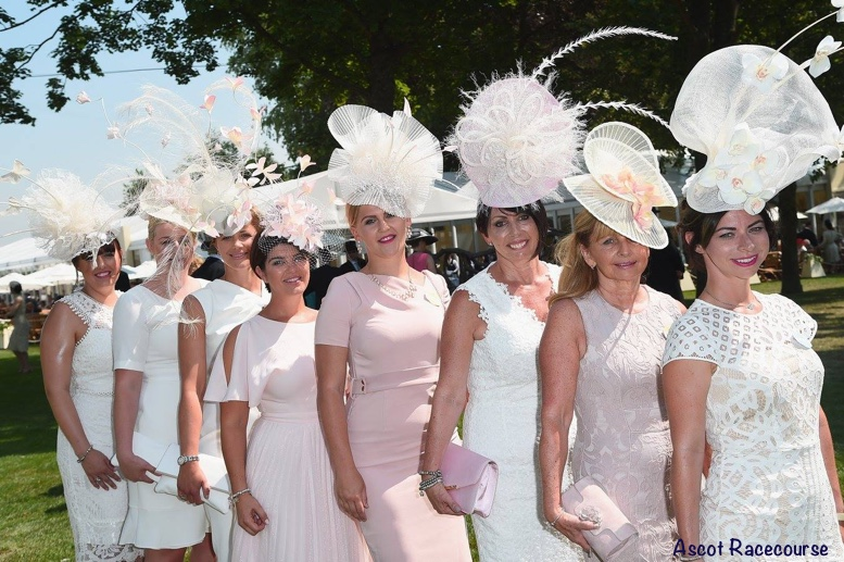 1cf382ec1078 It's White Lace by Alexander McQueen for Royal Ascot - What Kate Wore