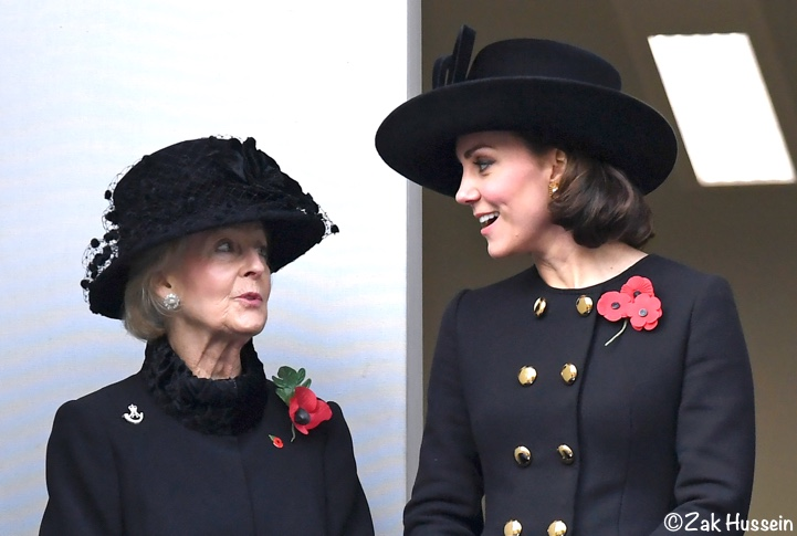 the duchess in dolce gabbana for remembrance sunday what kate wore https whatkatewore com 2017 11 12 duchess dolce gabbana remembrance sunday