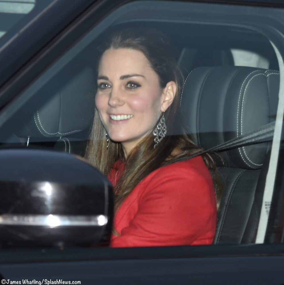 it 39 s a zara cape jigsaw faux fur for queen 39 s christmas luncheon what kate wore. Black Bedroom Furniture Sets. Home Design Ideas