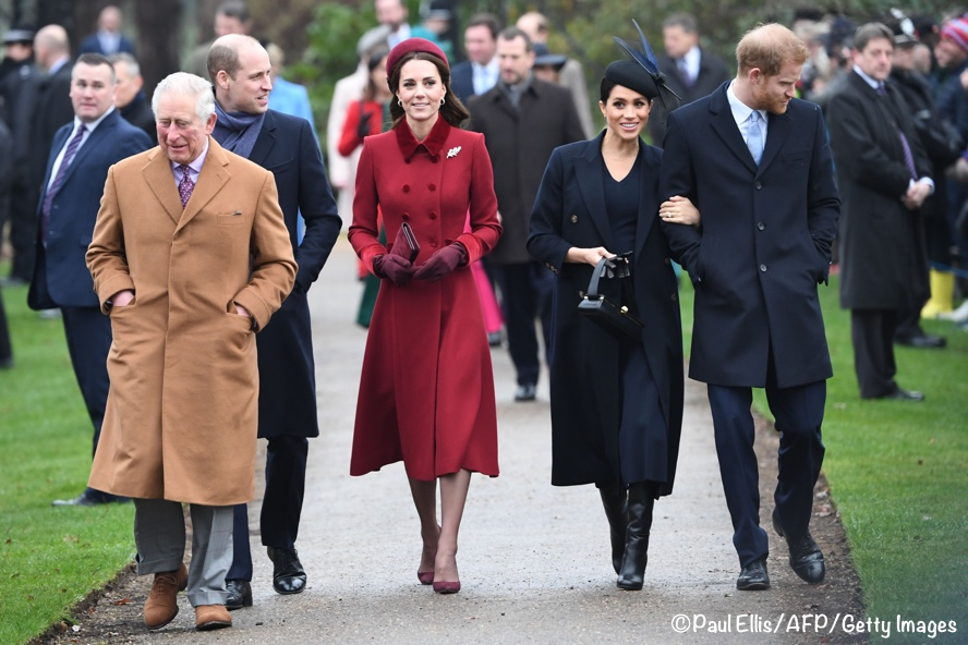 931fd573255 Kate and William were among many royal family members walking to church.