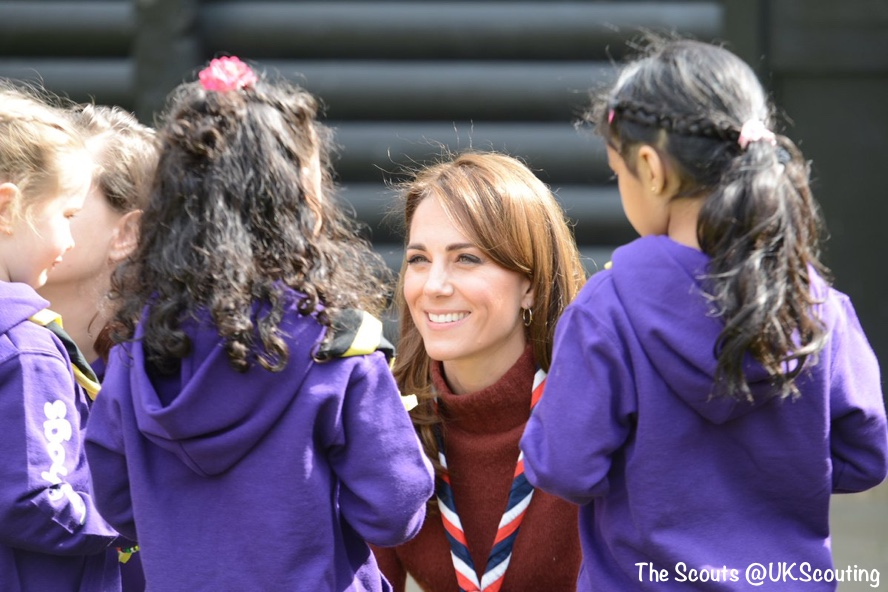 Kate in Familiar Pieces for a Day in the Park with UK Scouting