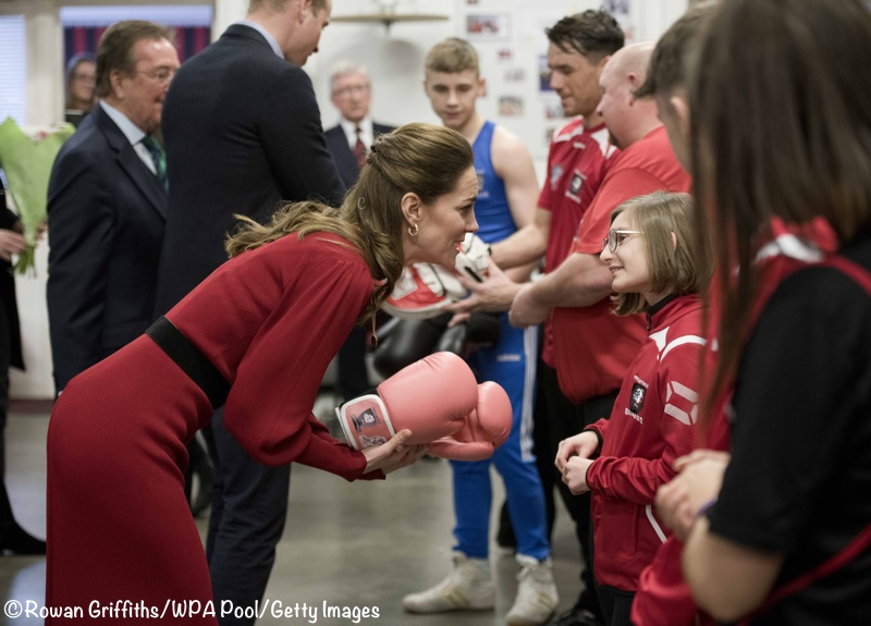 Kate Middleton Given Pink Boxing Gloves Bulldogs Port Talbot South Wales